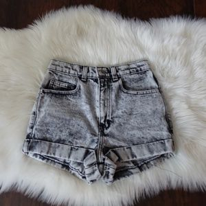American apparel light acid shorts mom 3 for 40$